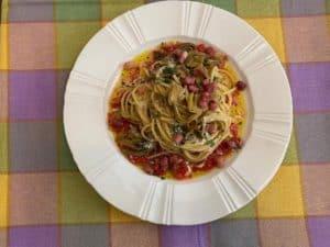 Spaghetti carciofi e datterini